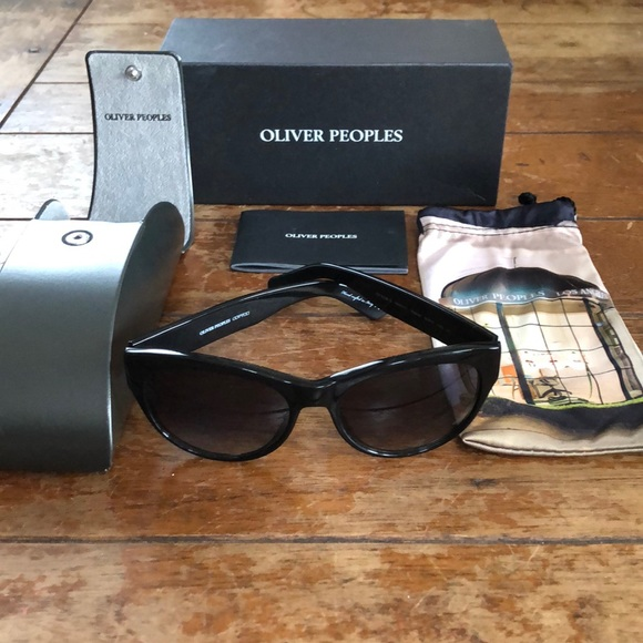 Oliver Peoples Accessories - NIB Oliver Peoples Sunglasses Special Edition Case